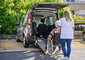 Le transport des personnes âgées